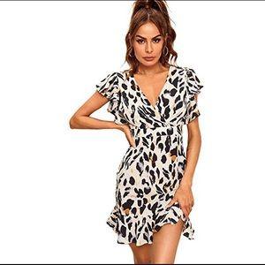 ✨NEW✨ leopard print ruffled dress